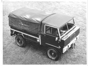 """Prototype 101"""" med 6 cylinder rækkemotor."""